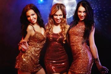 Девушки хостес ночные клубы клуб обезьяны в москве официальный сайт